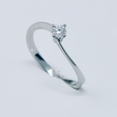 Polello Anello di Fidanzamento in Platino e Diamante 2627