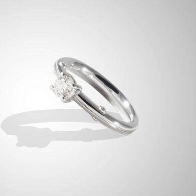 Anello 4 punte con Diamanti su gambo