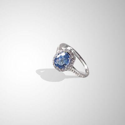 Anello con zaffiro blu naturale