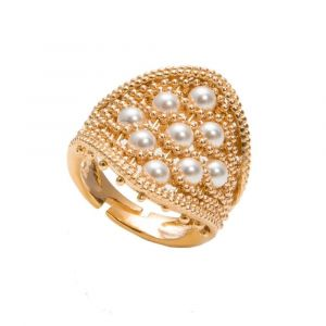 Style ring with white swarovski pearls