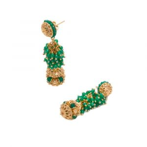 Stylish earrings with green agates