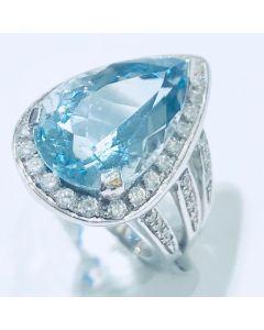 anello con diamanti e acqua marina a goccia