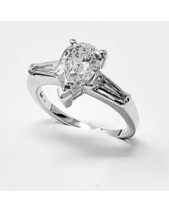 anello Diamante Goccia ct 1,50 G + 00,52 F